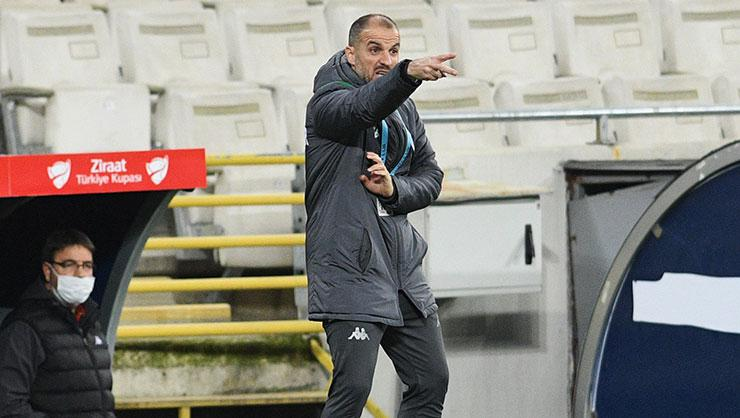 Bursaspor Teknik Direktörü Mustafa Er geçen sezonun gerisinde!