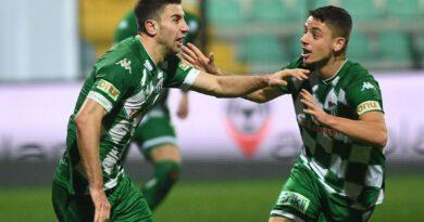 Bursaspor golleri maçın başında ve sonunda atıyor